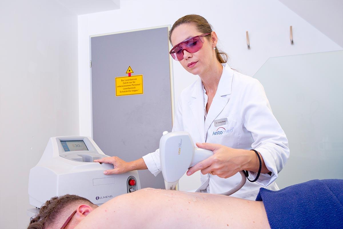 Dauerhafte Haarentfernung durch Frau Dr. Bauer im Aestomed Ambulatorium